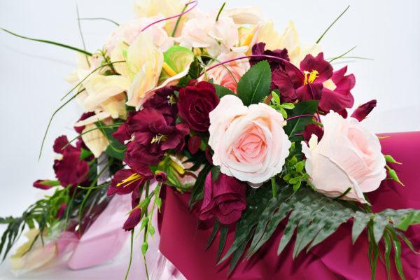 Pompes Funèbres Grosso : bouquet de fleurs de couleur violette