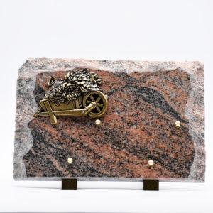 Pompes Funèbres Grosso : plaque en granit avec une brouette
