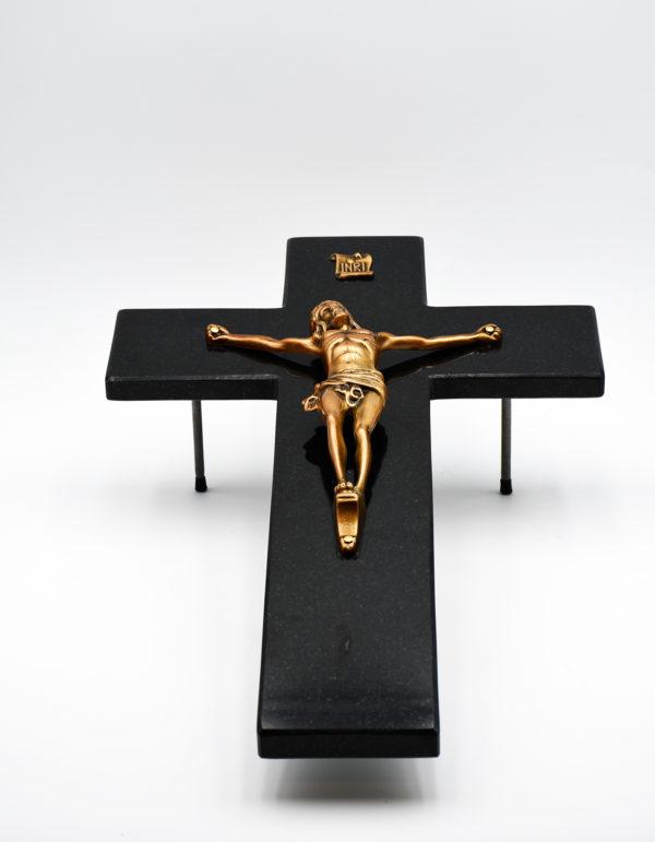 Pompes Funèbres Grosso : croix avec Christ